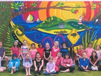 WINNING EFFORT: The kids of Kerikeri's Riverview School with their winning mural.