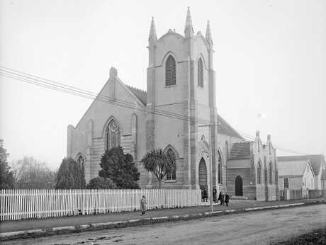 IMPOSING: Hastings Methodist Church circa 1913. PHOTO/ALEXANDER TURNBULL LIBRARY