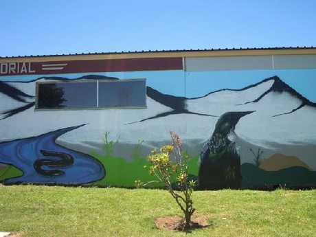 PICTURE THIS: Part of the mural gracing the wall of the Raetihi swimming pool. PHOTO/SUPPLIED