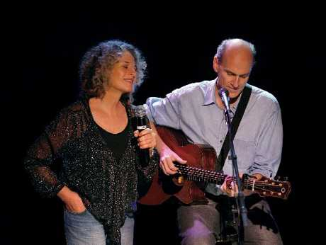 Carole King with James Taylor, performing in Auckland on the Troubadour tour in 2010.