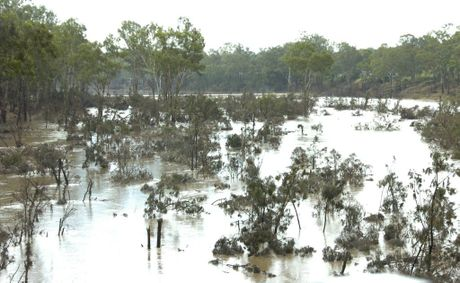 The Burnett River at Mundubbera days after a major flooding event in 2010/11 floods. Photo: Kerri-Anne Mesner / The Observer