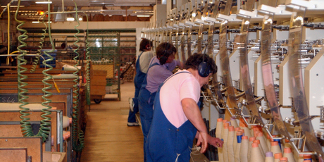 Summit Wool Spinners' Oamaru plant - the second biggest employer in the town - is to close.