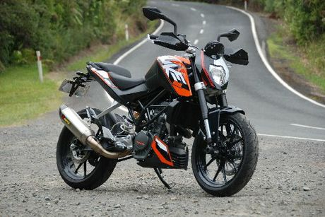The KTM 200 Duke's light weight and fiendish gearing deliver attitude in spades, helped by a design that feels as purposeful as it looks.