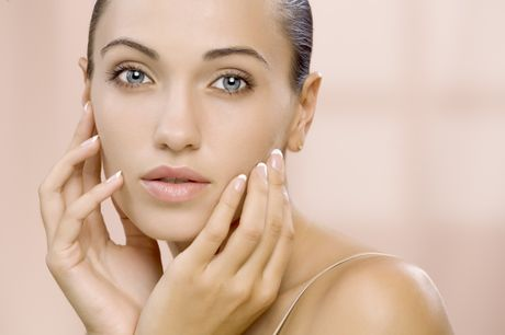 Everyone suffers occasional bad skin days, but there are many tips and tricks we can use to get perfect skin naturally.