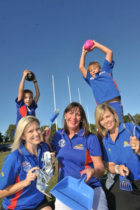 WOMEN AND AFL: Laura Brawn, Ethan Brawn, 9, Leanne Hipwood, Leanne Jenner and Blake Jenner, 11. Photo: John McCutcheon / Sunshine Coast Daily