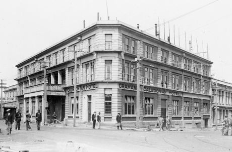 LONG HISTORY: The Caledonian Hotel was originally built in 1878, and rebuilt in 1908 after a fire. PHOTO/SUPPLIED BY THE ALEXANDER TURNBULL LIBRARY HTTP://TIMEFRAMES.NATLIB.GOVT.NZ/