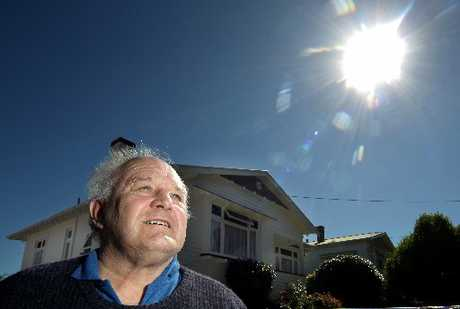 DAY IN THE SUN: On a summer day, Bruce Anderson's Wanganui East house generates more power than it consumes. PHOTOS/ STUART MUNRO