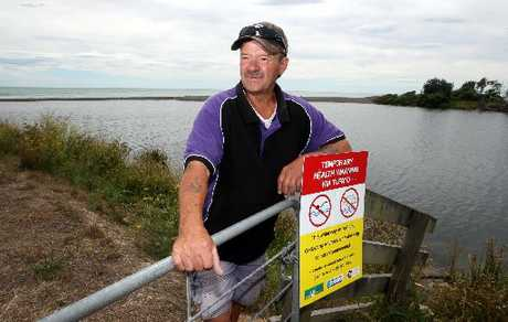 Te Awanga Motorcamp manager Noel Kennedy says a temporary health warning sign asking people not to swim in the Maraetotara River was removed this week.