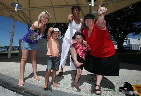 Jody Hopkinson, Gisela de Hollanda, Pia Carruthers, Bede Carruthers and Leo Carruthers at the One Billion Rising protest on the Tauranga Waterfront