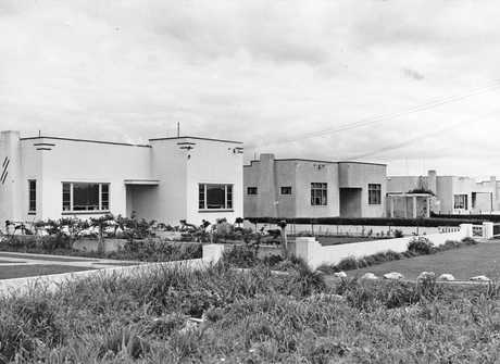 Marewa Art Deco Houses.PICTURE SUPPLIED BY THE ALEXANDER TURNBULL LIBRARY HTTP://TIMEFRAMES.NATLIB.GOVT.NZ/
