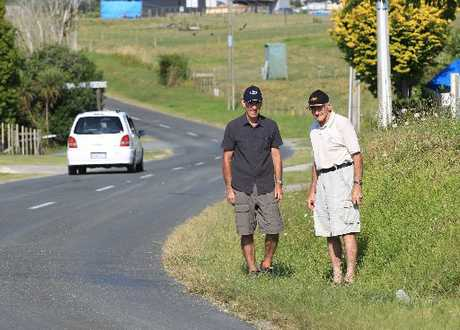 Bethlehem residents Steve McCarthy and Eric Hart are concerned about the lack of a footpath on 1km of Bethlehem Rd.