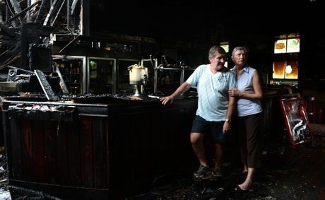 Fire at The Mount Warning Hotel, Uki. Geoff and Lexie Brown.