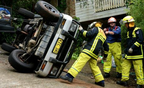 Car Roll over in Banora Point Drive way