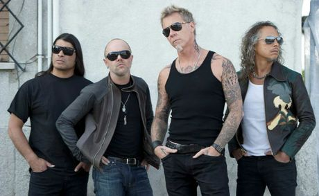 Two members of super rock group Metallica stopped into a Coolangatta surf store.