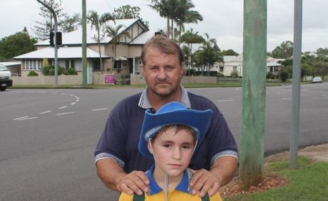 Maryborough dad Brett Clark is worried about son Troy&#39;s safety at the Pallas and Kent St intersection. 