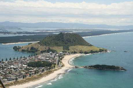 Aerial photo of Mauao, Mount Main Beach, and Leisure Island.