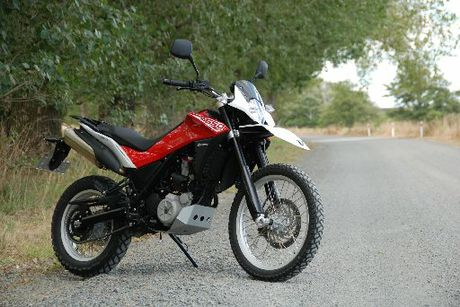 The Husqvarna TR650 Terra&#39;s enduro-style front deflects wind nicely, the dirtable riding position is cruiser-comfy. Photo / Jacqui Madelin