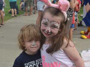 Dakota and Riley Groves getting into the Easter fun.