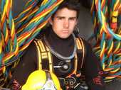 A Royal New Zealand Navy diver from Papamoa who nearly drowned while trying to retrieve the wreckage of the plane in which 2degrees boss Eric Hertz and his wife died has spoken of his experience.