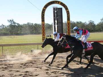 South Burnett's racegoers spent their Anzac Day trackside at the Wondai Races Anzac Day Legacy meeting. A beautiful autumn afternoon greeted those who chose to spend the day at Wondai Racetrack.