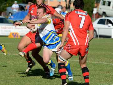 Byron Bay Struck first in their A Grade Clash with Murwillumbah at Stan Sercombe Oval in Murwillumbah. The Mustangs looked to the experienced Damien Quinn for direction and as usual he provided.
