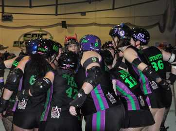 GLADSTONE'S Harbour City Hustlers roller derby team travelled to NSW to take on the Tweed Valley Vixens, winning 246-108.