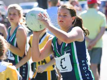 Action from the Sullivans Netball carnival at Jardine Park on the weekend.   Photos CHRIS ISON.