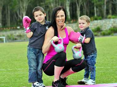 Nadine Hoffman with her sons Tydhon (4) (left) and Kaeto (2) at Peregian Springs where she will run a seminar for Mums who are pregnant or after childbirth. Photo Geoff Potter / Noosa News
