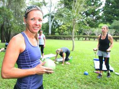 Michelle Jennings conducting a fitness session at the Botanical Gardens. Photo: Chris Ison / The Morning Bulletin