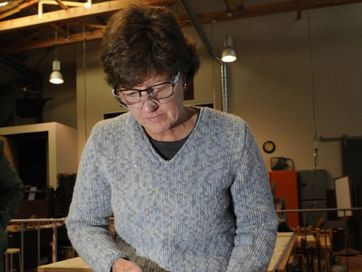 A workshop at Cobb + Co Museum in silversmithing was run by tutor Dan Co.