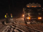 Snow storm stops truckers in New Zealand