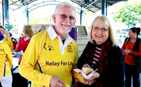 LAUNCH BRUNCH: Logistics Coordinator Greg Pershouse and Jean Pershouse enjoying some cake at the Bundaberg Relay For Life Launch. Photo: Zach Hogg / NewsMail