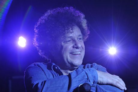 Leo Sayer set to play Bangalow Bowling Club.
