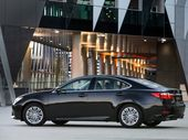 The Lexus ES large sedan is luxurious, uber quiet and spacious – just what you'd expect with a first-class ticket.