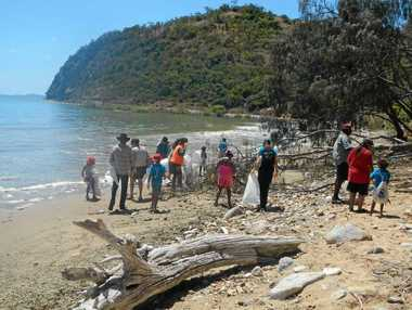 Gundoo Rangers removing marine debris from Kemp Beach.