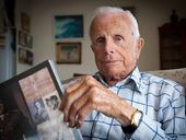 AMAZING ANZAC: New Zealand war veteran Bob Wood of Sawtell. Rob Wright