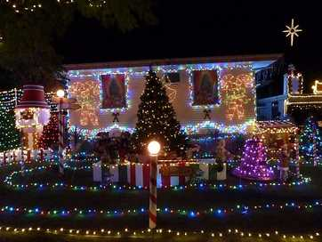 All the winners from the QT Christmas lights competition.