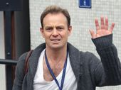 JASON Donovan leaves the responsibility of cooking Christmas dinner to his wife.