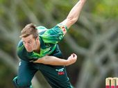 MARK Steketee took the first wicket of an innings for the second time in two games in Brisbane Heat BBL T20 cricket victory against the Sydney Thunder.
