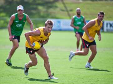 The Sydney Swans played an intra-club practice match during the club's open training session held at C.ex Coffs International Stadium om Wednesday, January 29. Photos: Rob Wright/Coffs Coast Advocate