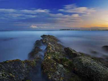 ZENITH: Photographer Jeremy Billett captured this image at Redcliffe, near Brooms Head. Photo: Contributed