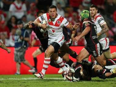 Bronson Harrison runs with the ball during the round 7 NRL match between the St George Illawarra Dragons and the NZ Warriors at WIN Jubilee Oval in Sydney, Saturday, April 19, 2014. (AAP Image/Action Photographics, Robb Cox)