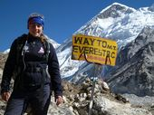 <strong>UPDATE: </strong>Toowoomba teen Alyssa Azar has been attacked over plans to push ahead with her attempt to climb Mt Everest in the wake of a deadly avalanche.