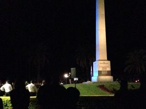 Hundreds gathered in Rockhampton's botanical gardens this morning for the ANZAC Day dawn service. Photo Frazer Pearce / The Morning Bulletin